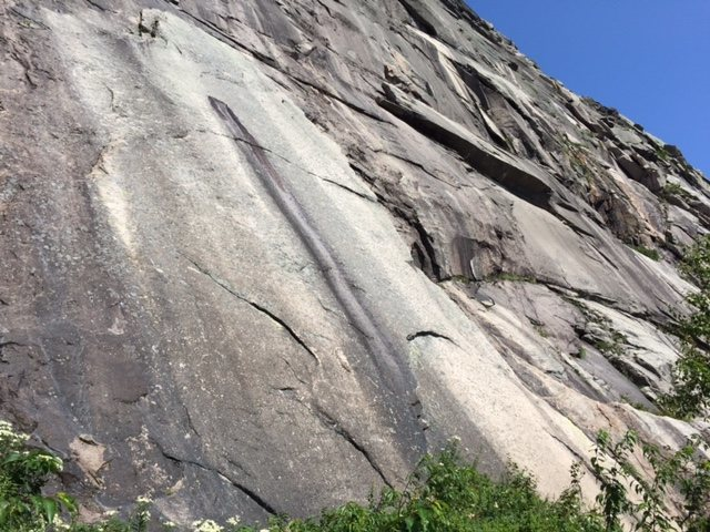 Does anyone know the name of this route???<br>  <br> It goes up the pretty slab beneath VMC.  There are several bolts that look fairly new but the bolting looks a little old school.  Looks like a nice route. <br> <br> <br> <br>