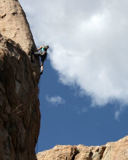 Rock Climbing Photo: Unknown climber near the top of Pistol Pete (5.10a...