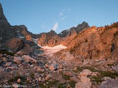 Rock Climbing Photo: The cirque. Head up the left edge of the main snow...