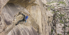 Rock Climbing Photo: Mike Anderson climbing through the first part of t...