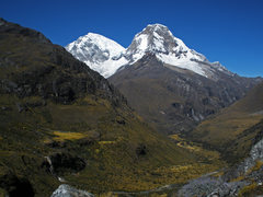 Rock Climbing Photo: Huascaran Sur (22,205 ft.) and Norte (21,834 ft.)