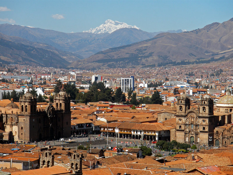 The city of Cusco (11,100 ft.) and Ausangate (20,945 ft.) in the background.