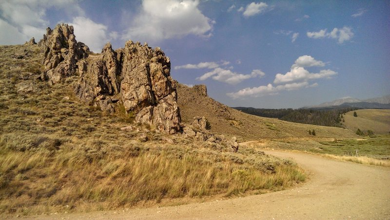 Rock Climbing Photo: View of crag looking east along Strawberry Rd.