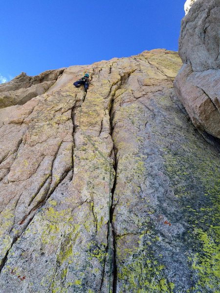 Amy Ness leading the yellow wall cracks, P2 of Langley's North Arete V 5.10a