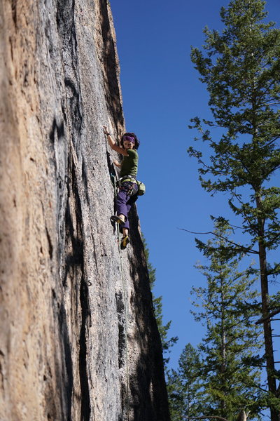 Rock Climbing Photo: Erica cruising up Wyoming Flower Child