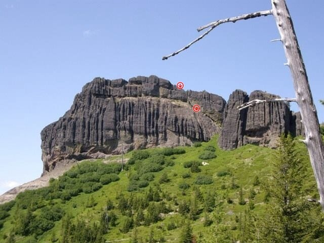 This is the rappell route. By far the easiest way down.