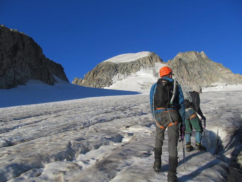 Mara Gans and Gabe Kiritz crossing the Gannett Glacier on the approach to the Northeast Ridge of Gannett Peak.