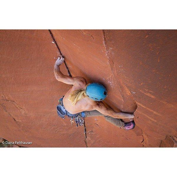 Rock Climbing Photo: Interesting Stemming. Photo by Dana Felthauser