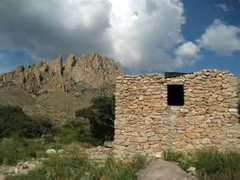 Rock Climbing Photo: Topp Hut