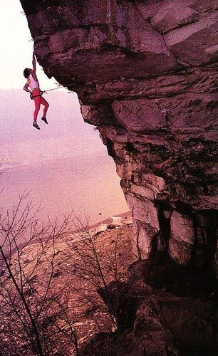 Porter Jarrard on Apollo Reed (5.13a), Summersville Lake<br> <br> Photo by John Mallery