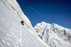 Rock Climbing Photo: Death traverse under false summit cornice.