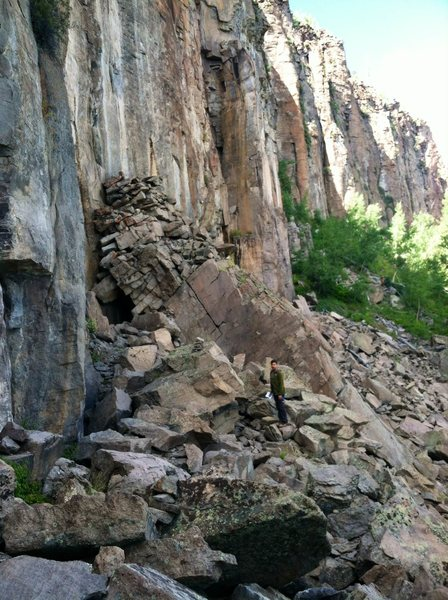 Rock Climbing Photo: The (impressive) collapsed Jared Diamond's Tower a...