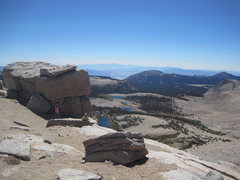 Rock Climbing Photo: Approaching New Army Pass, with Cottonwood Lakes b...