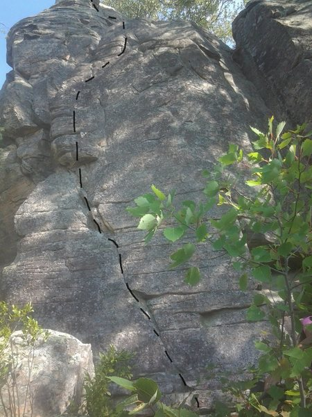 Rock Climbing Photo: Left diagonal crack on thin holds leading to lay-b...