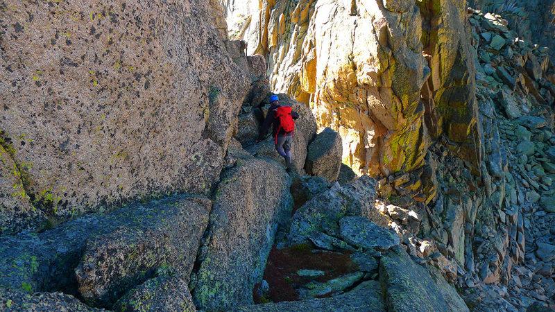 Exploring the ridge between McHenrys & Chiefs Head.