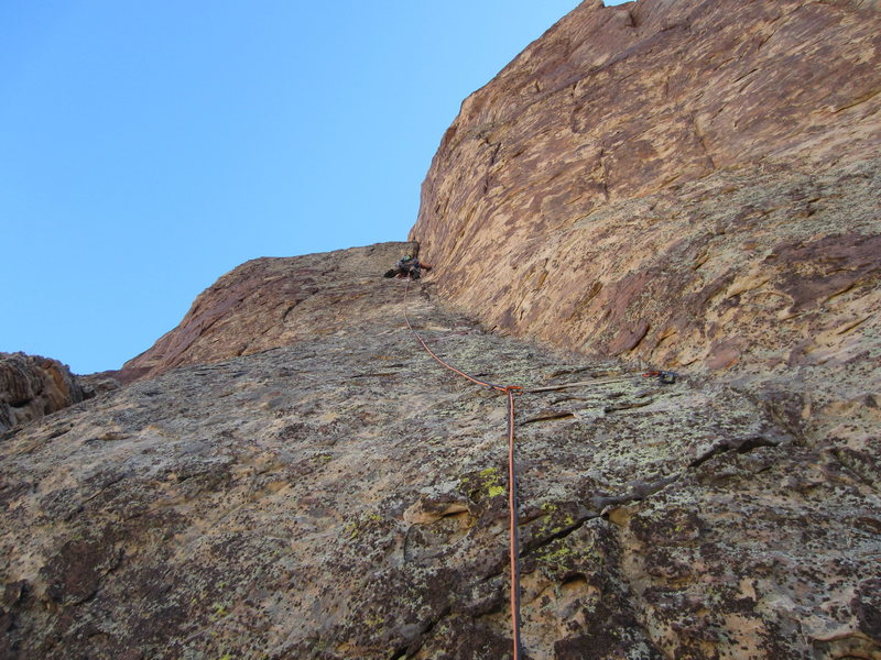 Rock Climbing Photo: Leading up the 5.9 pitch before the final chimney.