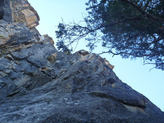 Great route, no idea which one. On northwest (shorter) side, less lichen, great rock and fun moves.