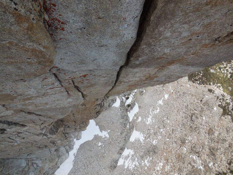 Looking down at the handcrack