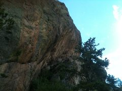 Rock Climbing Photo: The steepness, bolting is in progress, many routes...