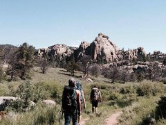 hiking through vedauwoo