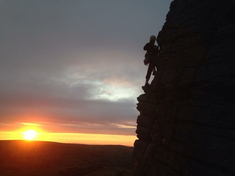 Rock Climbing Photo: A classic gritstone route at Windgather, Derbyshir...