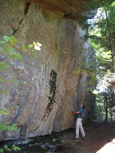 Rock Climbing Photo: Possible Bouldering Wall?? (approx. 200-250 ft Rig...