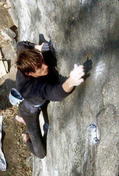 Elias V9 / Cat Rock / Central Park / climber: Jean DeLataillade