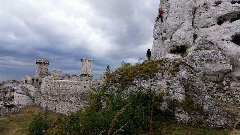 Cragging at the Ogrodzieniec castle
