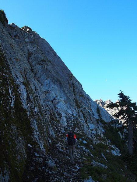 Rock Climbing Photo: approach ledges for North Face routes