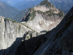 Rock Climbing Photo: looking back on P5 traverse from the bolted belay ...