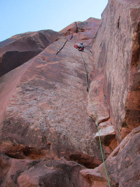 That crack is wider than it looks - Jeff Heiderer on the lead of Skank on the Hanglow