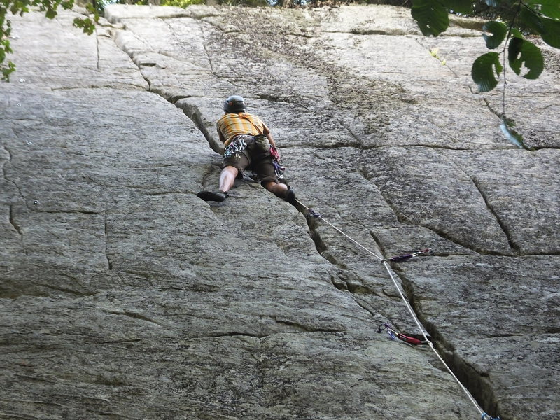 Rock Climbing Photo: Good foot jams on Five-Star Crack