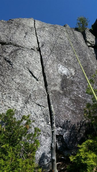 The perfect handcrack at the top