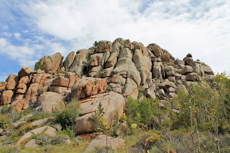 Rock Climbing Photo: Southwest Buttress of Foreign Territory from Turtl...