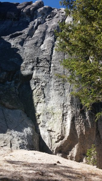 Rock Climbing Photo: Terrapin SE end. From left to right: Bee Line (10a...