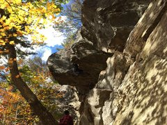 Rock Climbing Photo: Continuing up the horizontal chimney, maybe whimpe...