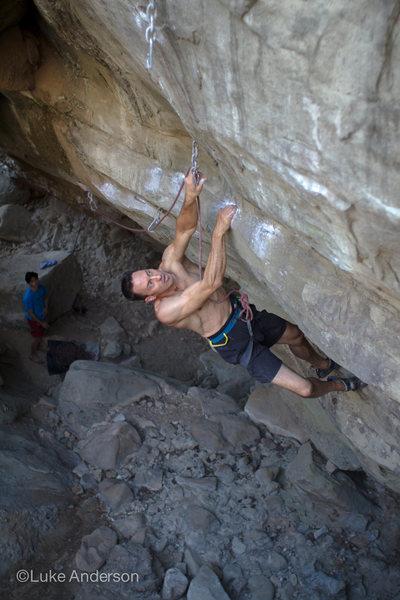 Rock Climbing Photo: Phil cruising Hell of the Upside Down Sinners