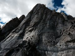 Rock Climbing Photo: Hot Tuna Tower. The North Ridge follows the right-...