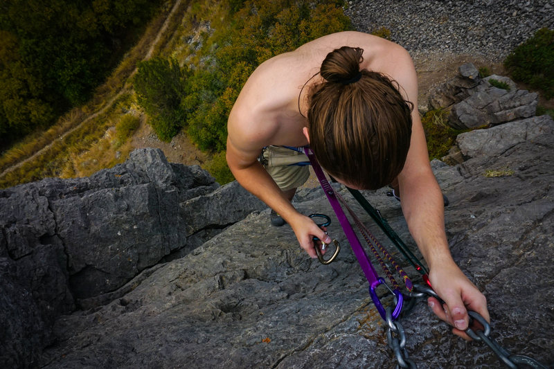Rock Climbing Photo: Setting up a rappel from the chains at The Lost Bo...