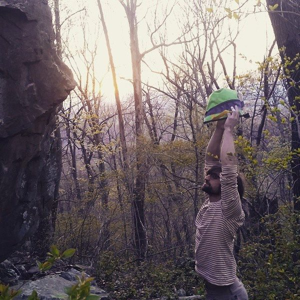Rock Climbing Photo: New Years Boulder, Afton Mountain, South shenandoa...