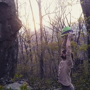 Rock Climbing Photo: New Years Boulder, Afton Mountain, South shenandoa...
