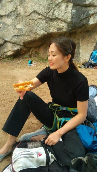 Rock Climbing Photo: wild  climbing ,eating