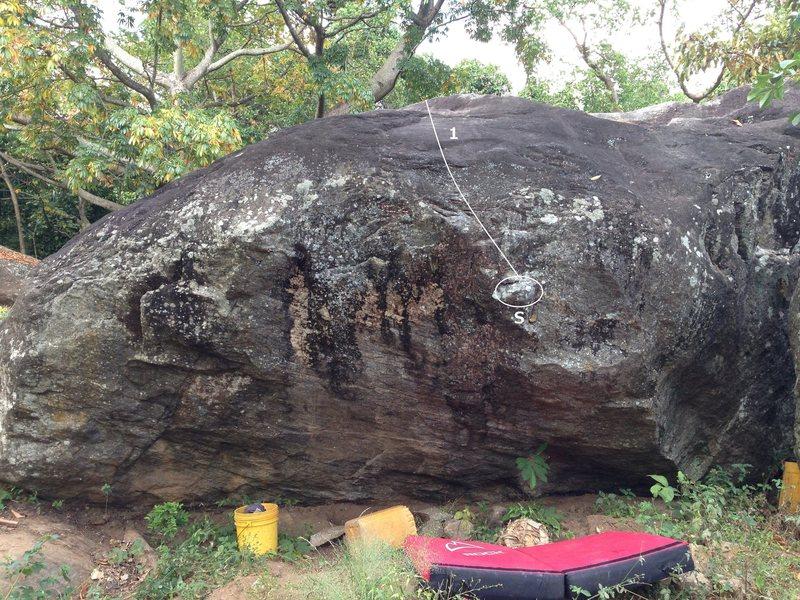 Rock Climbing Photo: West face of Catfish Boulder