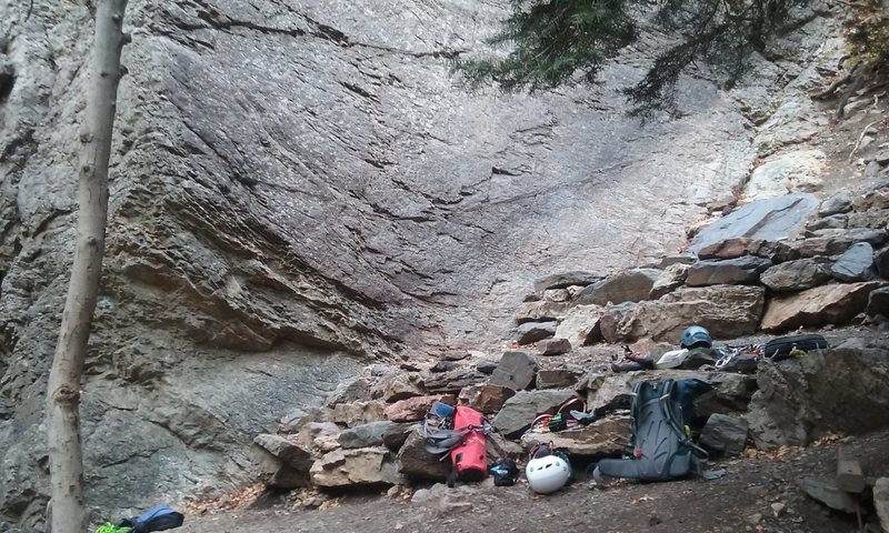 Rock Climbing Photo: Steps at base of rolling bones