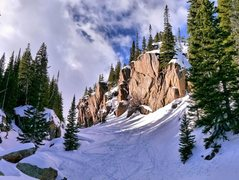 Rock Climbing Photo: Just below the Loch, the snowshoe trail had diverg...