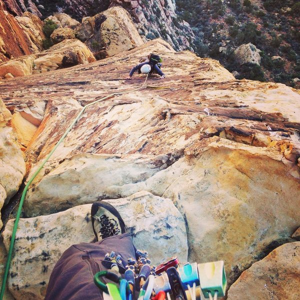 This is looking down the last 5.8 variation on Unimpeachable Groping. Highly recommend adding this on for a route that is pretty much 1000 feet! Super fun climbing too. The descent is loose but manageable, watch your ropes getting stuck in cracks on first rapp.
