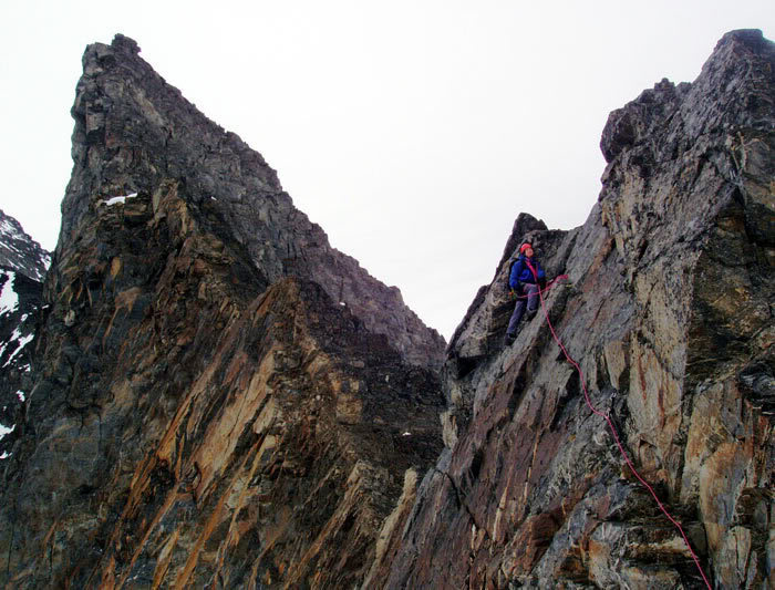 Rock Climbing Photo: Climbing the South Tooth.  Summit is behind the cl...