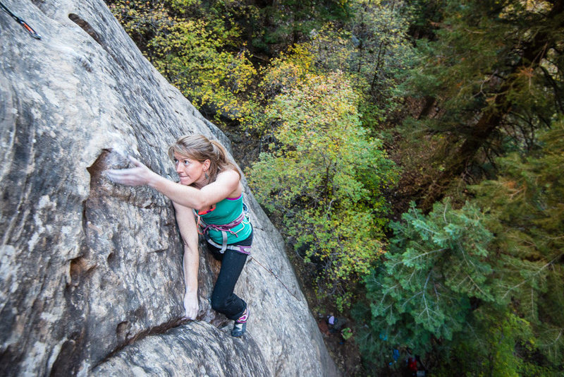 Rock Climbing Photo: Anne Mariah mid crux on Blow Before Throws. Oak Cr...