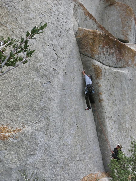 Rock Climbing Photo: Erik Zschiesche leading Reaper.  Jeff Giese belayi...