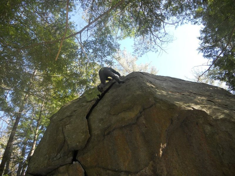 Rock Climbing Photo: Cream V0/V1